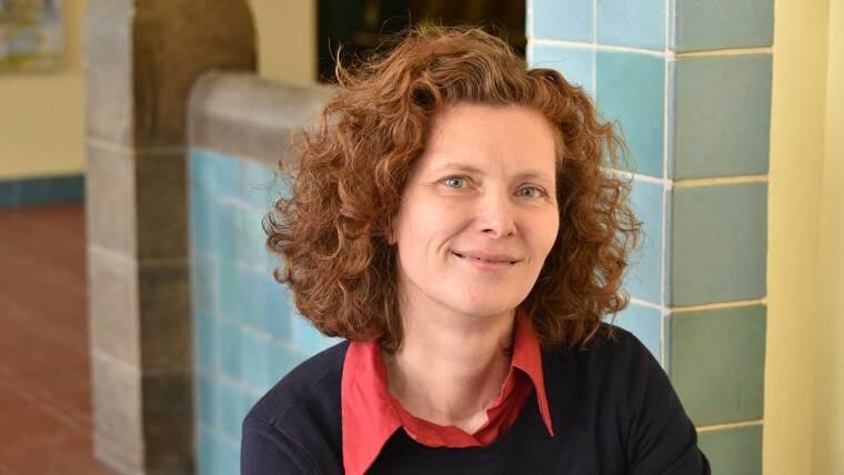 Dr. Ute Schönfelder, Redakteurin des Forschungsmagazins LICHTGEDANKEN